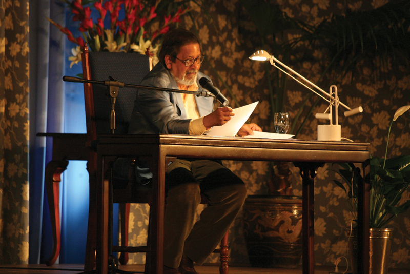 Sir VS Naipaul gives a public reading of his work. Photographer: Shirley Bahadur