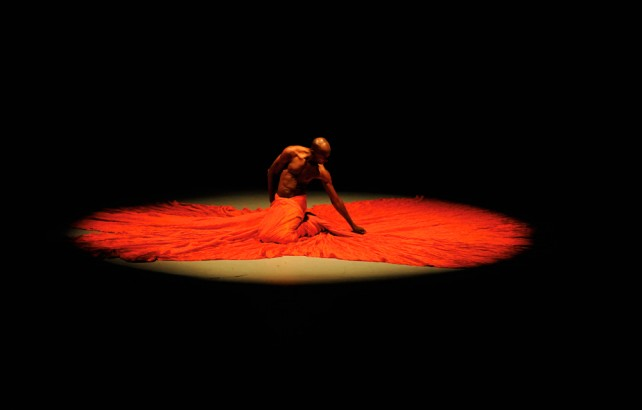 Choreographer and dancer Dave Williams in his iconic performance 'Scan' (2009). Photo: Jeffrey Chock courtesy the Coco Dance Festival.