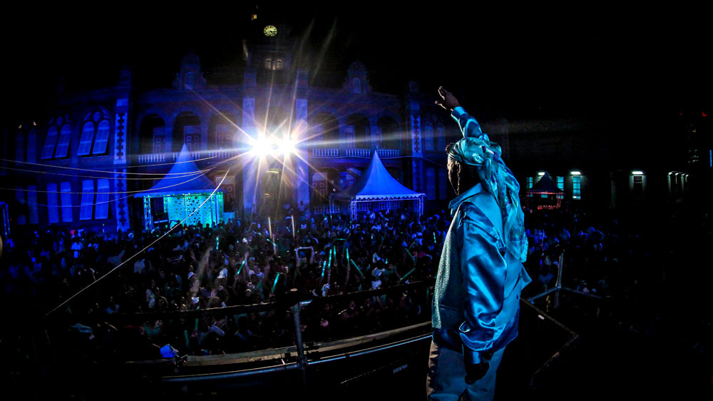 Soca legend Super Blue whips the crowd into a frenzy at QRC fete. Photo by Aaron Richards
